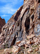 Rock Climbing Photo: The Big Horn. There is a slung chockstone near pit...