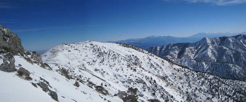 Panorama of San Gorgonio and San Jacinto just before entering Procrastination Chute.