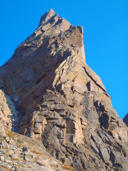 Rock Climbing Photo: The Direct NW buttress of Sharks Nose follows the ...