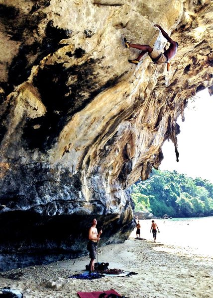 "Looking for my afternoon coffee on ""Cafe Andaman"" (5.12b)"