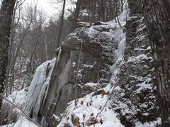 Rock Climbing Photo: Cliff base line nearest to the road. Ice right is ...