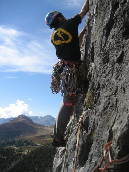 On the Micheluzzi rout before the big traverse.