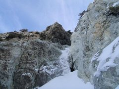 Rock Climbing Photo: Crux ice. JJ tore it all down once, falling into t...