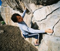 Rock Climbing Photo: Veronica Robertson on the Rainbow Rock traverse ou...