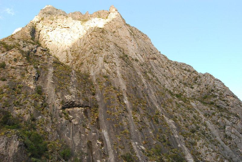 Rock Climbing Photo: A busy day on the Jungle wall El Potrero Chico, Me...