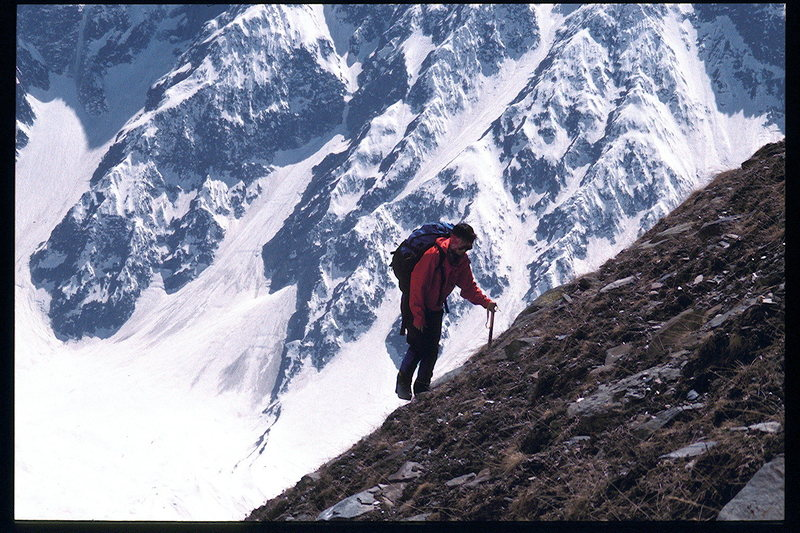 Veronica Robertson on a steep carry to Camp 1. Beas Kund valley, Indian Himalaya
