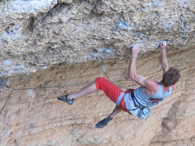 Rock Climbing Photo: footless on the low roof