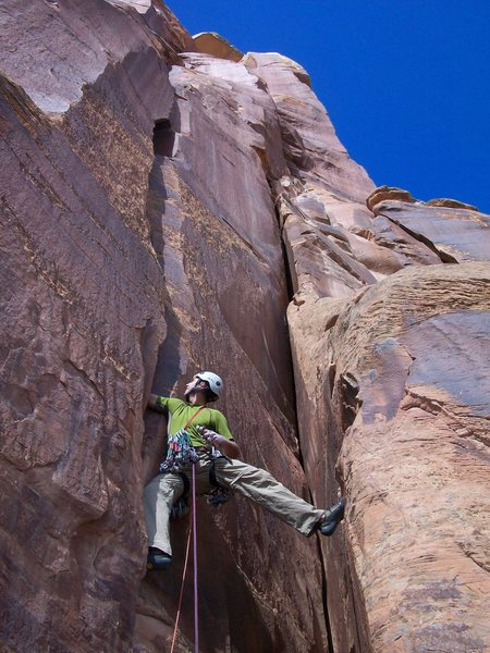 Rock Climbing Photo: Starting the first pitch with the ominous 4th pitc...
