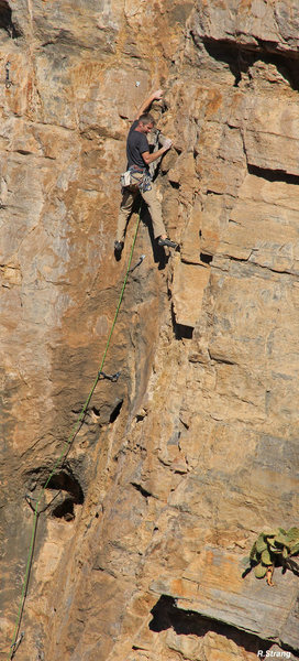 Ed starts the fun warm-up<br> Lucius (5.10)