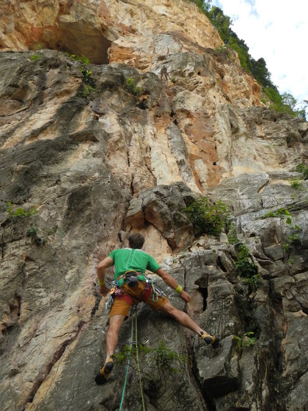 Karsten Delap starting up Monsoon 5.10b