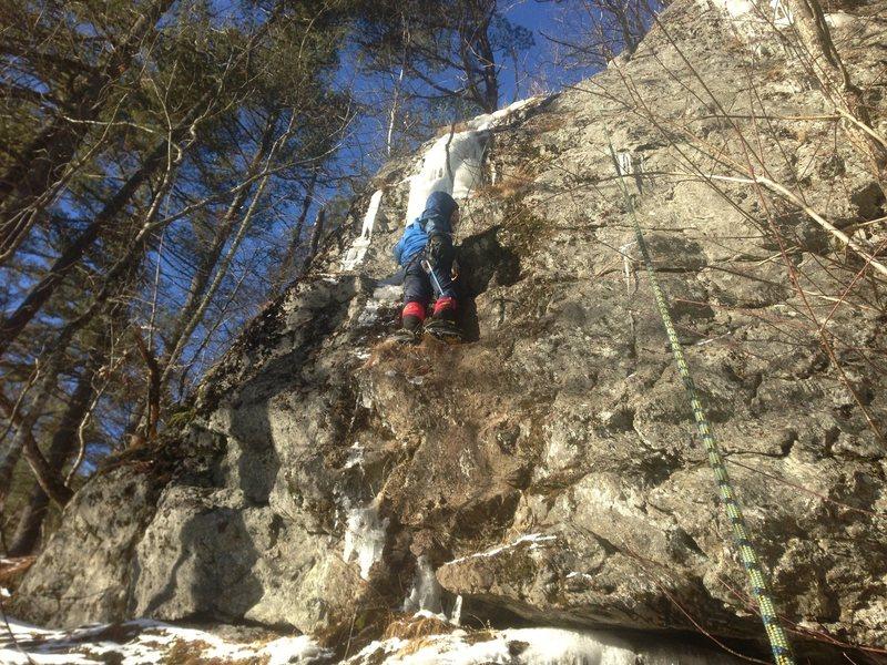 Rock Climbing Photo: Bradley White on Vee Minus Zero