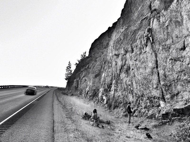 Leading Roadside Acracktion. Photo courtesy Matt Hage. www.HagePhoto.com