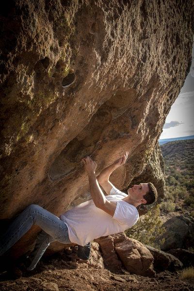 Rock Climbing Photo: Vaughn on the excellent hueco fest traverse ~V5