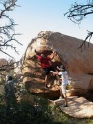 Rock Climbing Photo: La Migra (V2), Joshua Tree NP