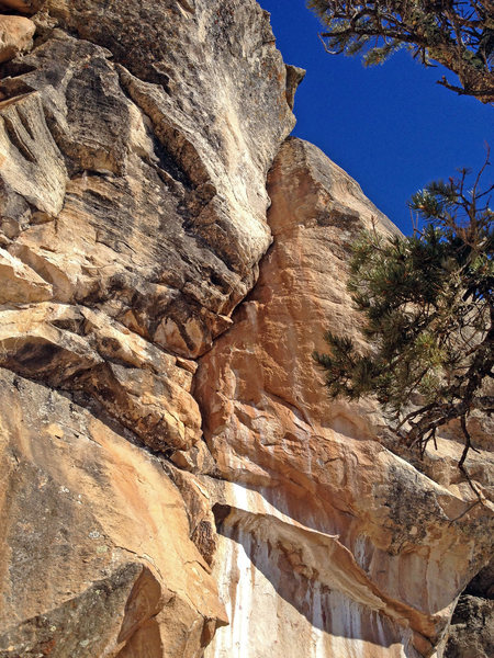Rock Climbing Photo: Picto Crack, 5.10c.