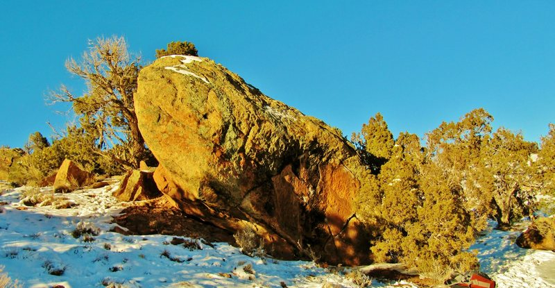Rock Climbing Photo: Beaver Dam Boulder's south and east faces.