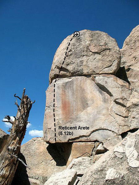 Rock Climbing Photo: Reticent Arete (5.12b), Holcomb Valley Pinnacles