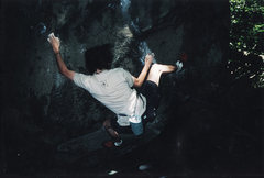 Rock Climbing Photo: Smiley Face V3 at Mount Gretna summer 2001