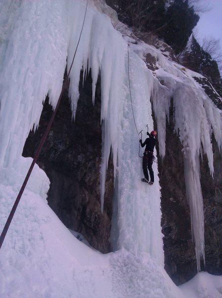 Rock Climbing Photo: Wayne Pullman midway up the Icemate pillar.