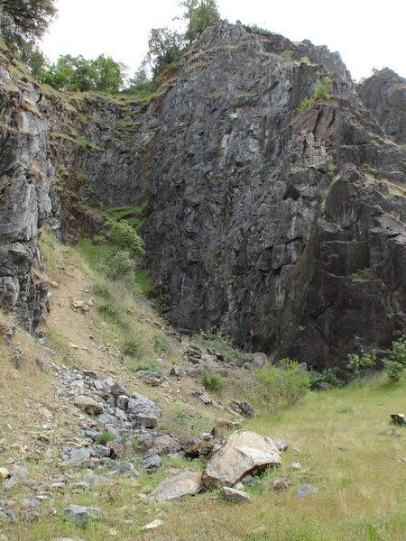 Auburn Cliffs