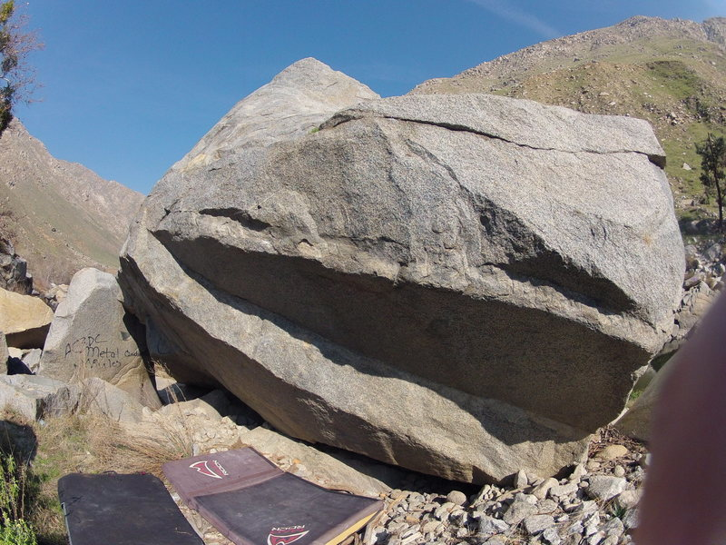 Lower Kern river canyon Bouldering: Lucid V6