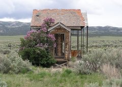 Rock Climbing Photo: Cool old house on a backroad into the City of Rock...