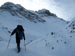 Rock Climbing Photo: On the approach, entering the valley. Hoch Ducan l...