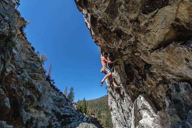 Rock Climbing Photo: Josh heading up Whirl Pool .12a. Need a 70 meter r...