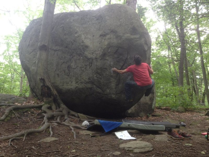 Rock Climbing Photo: Heart of Glass . V4    Lincoln woods Feels impossi...