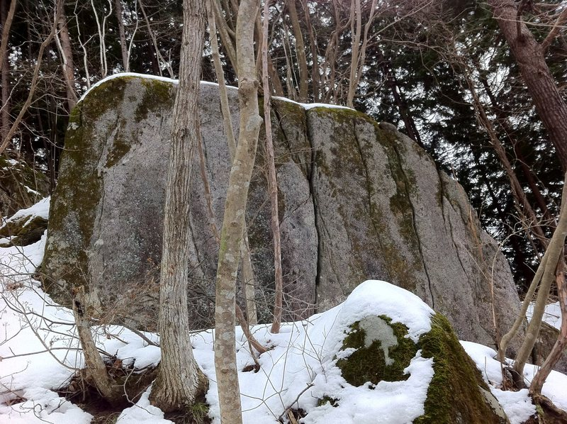 Rock Climbing Photo: Mossy on the left. Mossy Crack (V0)in the Middle. ...
