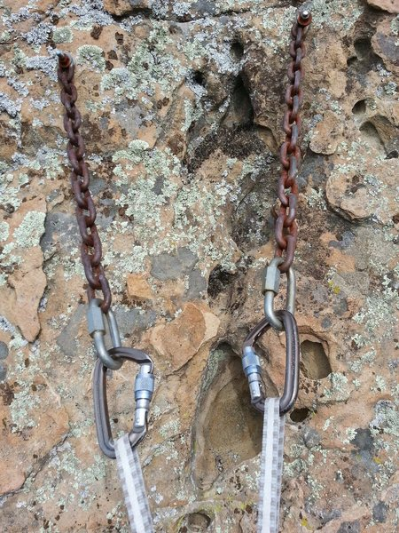 Rock Climbing Photo: Bolts and chains at the belay anchor as of 2/16/12