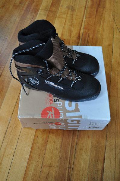 FS: Rossingol CC ski boots.  Brand New