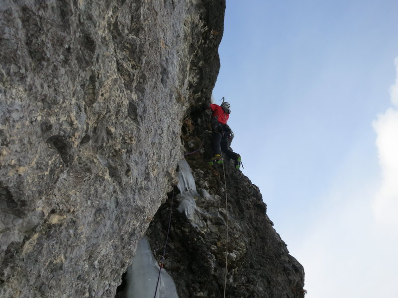 Rock Climbing Photo: Kyle Dempster on the third pitch in super lean con...