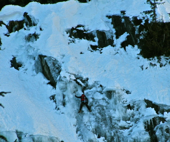 Ice climbers on Chair Peak