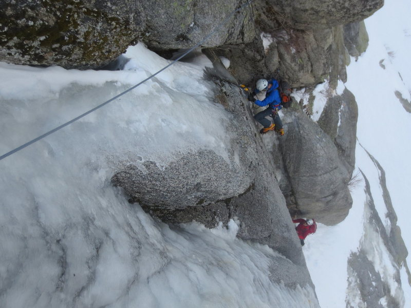 Rock Climbing Photo: Gully with thin ice