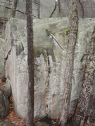 Rock Climbing Photo: A zoomed out look at Mystery Groove (on a very wet...