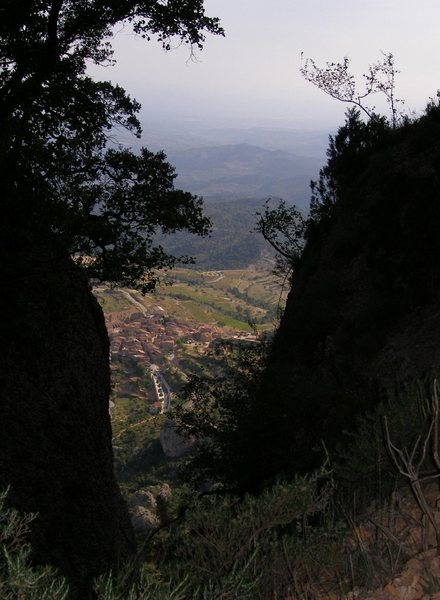 Montsant Barrots loop  hike - looking down to Morera de Montsant