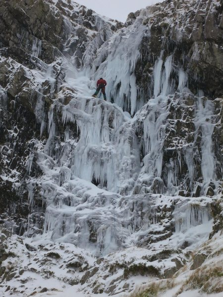 Rock Climbing Photo: The optional belay half way up the screen. The ice...