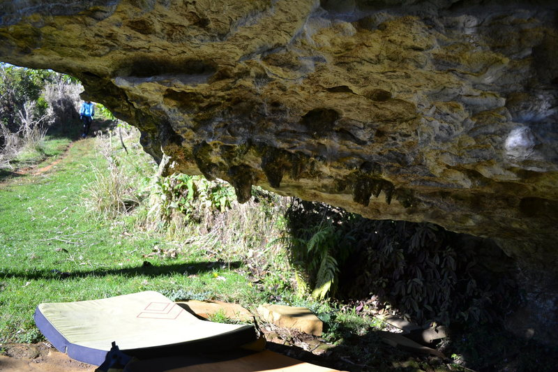 Rock Climbing Photo: Grot View Cave