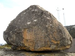 Rock Climbing Photo: The northwest side of the Antennae 2 boulder. V2 m...