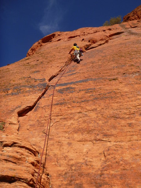 Rock Climbing Photo: 1st pitch on Handful of Crack, Fistful of Pockets.