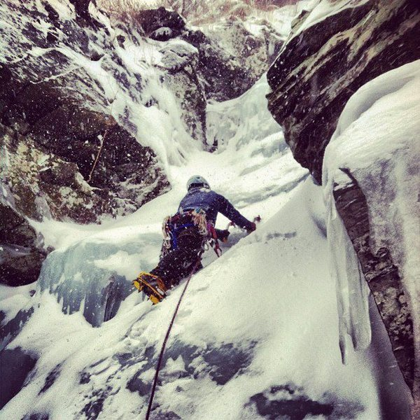 Brian Aitken leading Ron's Gully. Photo by Anthony Chiaravallo.