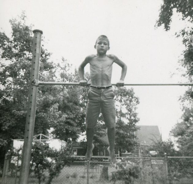 JB at age 10.  Skinny little turd could do 30 full pullups.<br> <br> Check out the hands !