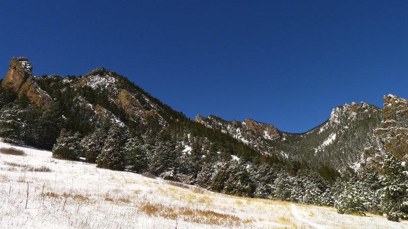 Rock Climbing Photo: Eldo approach to the Matron.