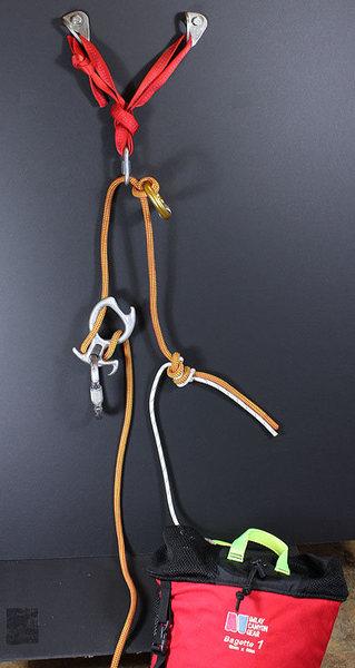 single rope rappel carabiner block