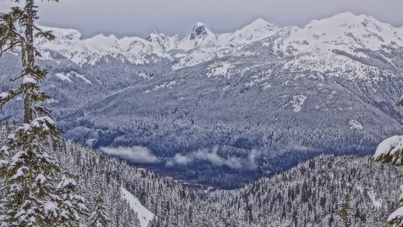 Rock Climbing Photo: American Border Peak and Mt. Larribee