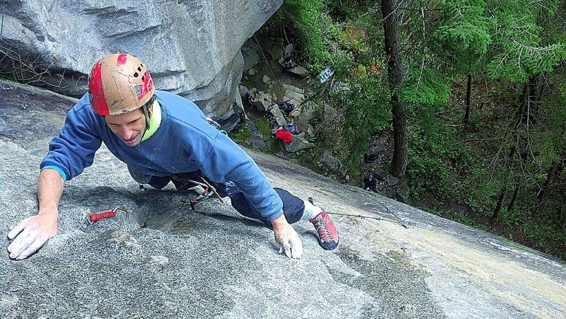 Rock Climbing Photo: Zipper (10b), near anchor.