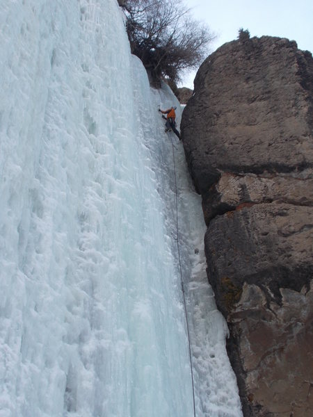 "Chimney Ice route, easy warm up for the ""Bigcicle""."