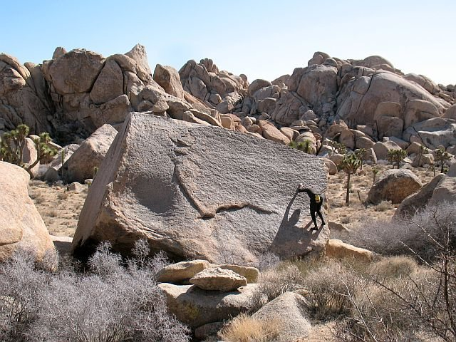 Rock Climbing Photo: Footprints (V-easy), Joshua Tree NP