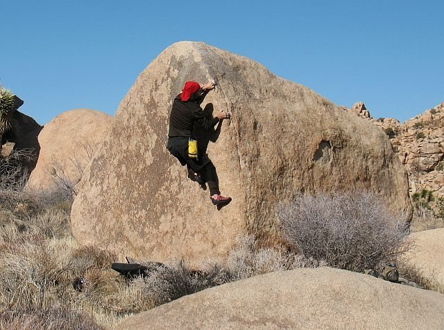 Rock Climbing Photo: Bandulo (V0-), Joshua Tree NP